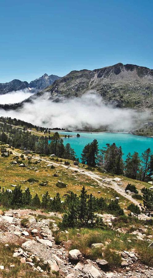 pyrénées néouvielle lac montagne